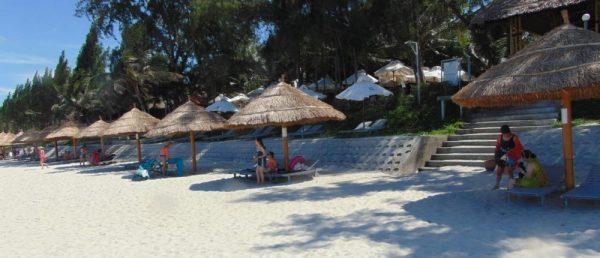 Bãi biển Dốc Lết Nha trang