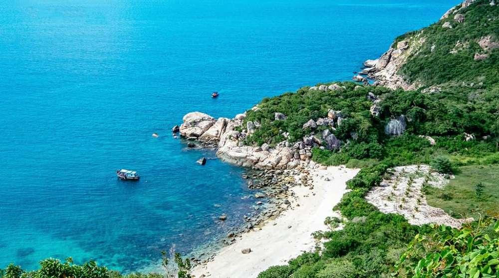 Đảo Hoang sơ Bình Ba vịnh Cam ranh