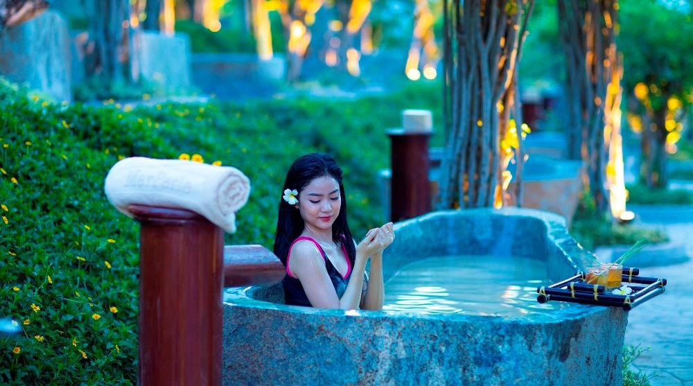 tour tắm bùn Hòn Tằm Nha Trang
